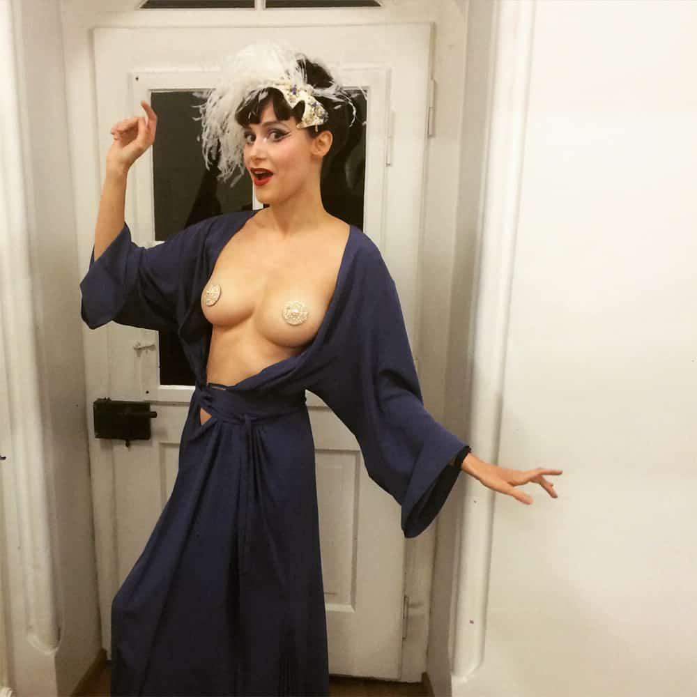 jjgeneva_pics_burlesque3